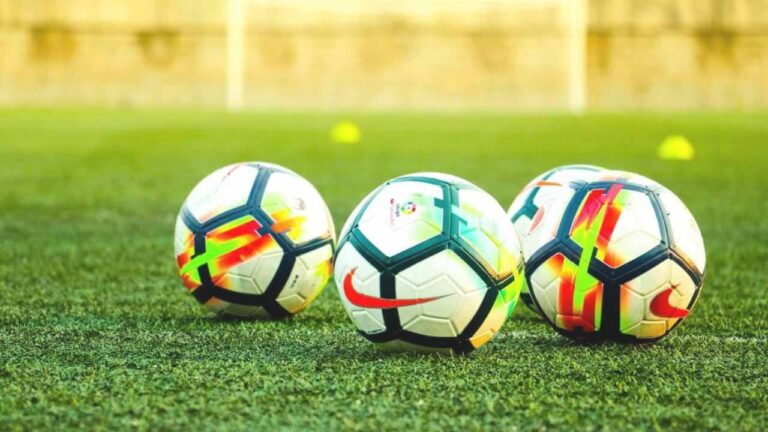 Alimentația jucătorilor de fotbal înainte şi după meci